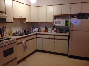 July 1st! Spacious 2Bedroom! $1100 All Inclusive!