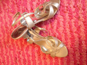 Tradition silver sandals
