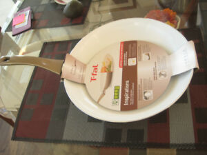 "T-FAL CERAMIC Frying Pan ""Inspirations"" 11.5""- 30cm - brand new!"
