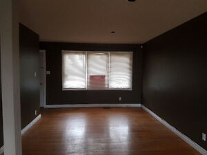 3 Bdrm/1 Bath Main Floor w/Garage 1334 Forget St - Fixed Utility Regina Regina Area image 2
