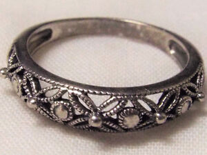 Ladies Ring 925 Sterling Silver size 9