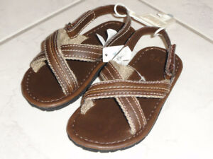 NEW!   BABY GAP TODDLERS SANDALS