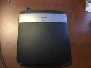 Router LINKSYS, E2500