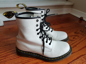 Dr Martens White Leather Boots US8; UK6