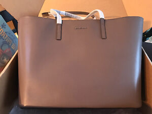 BNWT Extra Large Leather Michael Kors Tote