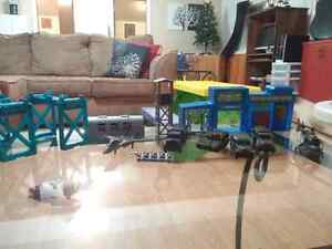 Toy military lot