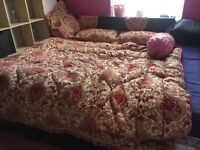 Gorgeous Pink & Gold Blanket & Pillow Cases set imported from Asia