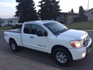 2006 Nissan Titan SE King Cab 4x4 in excellent condition