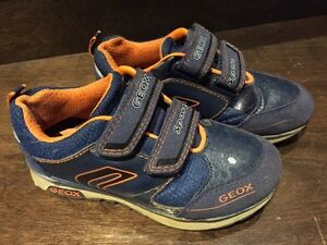 Boys shoes GEOX souliers garcons size 28