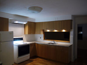 $670 / 2br - 4 1/2 St-Genevieve-Pierrefonds West Island