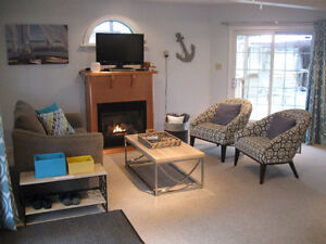 Lakeview Family Cottage For Rent – Book Early and Save