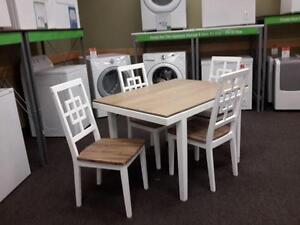 *** NEW *** ASHLEY BROVADA 5PC DINETTE   S/N:51257580   #STORE553