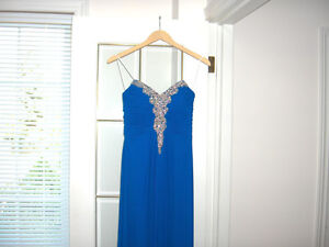 Beautiful Blue Prom or Formal Dress Strapless Size 0