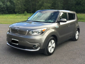 2016 Kia Soul EV Luxury | One Owner | No Accidents