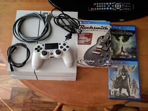 Sony Playstation 4 500G White Destiny Edition + 3 Games