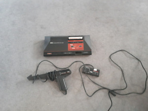 Sega Master System With Games, Controlers and a Light Gun!