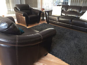 3 Peice leather Palliser couch,loveseat and chair