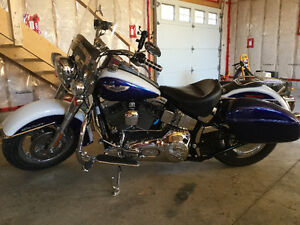 2006 Harley Softail Deluxe beautiful 2 tone blue and white
