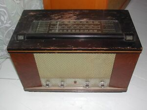 Ancienne radio a lampes