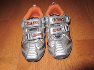 Geox size 7 toddler running shoes