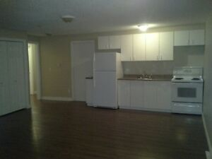 MOVE IN NOW INTO THIS 2 BDRM CENTRALLY LOCATED SUITE