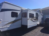 Very well maintained jayco eagle trailer.
