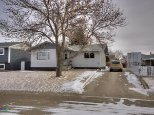 1307 Manitou Crecent, Moose Jaw