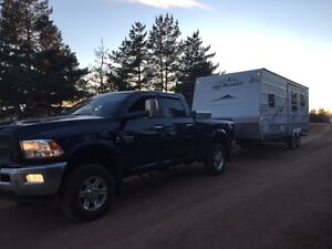 Rv and Fifth Wheel Hauling