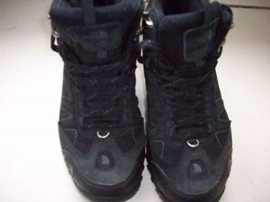 Mens' North Face Hiking Boots Size 8