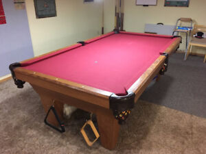 Connelly 4 x 8 pool table
