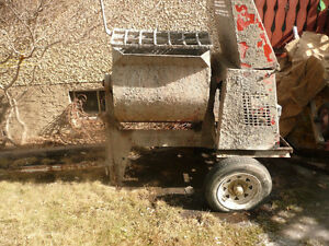 STUCCO CEMENT MIXER (USED)