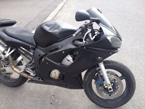 YAMAHA R6 1999 A VENDRE OU ECHANGE IMMEDIATEMENT