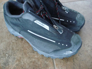 Shoes and rain boots men size 8 London Ontario image 6