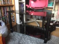Tv stand (CantPost!)
