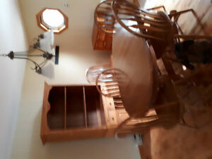 Oak hard wood kitchen table with 6 matching chairs