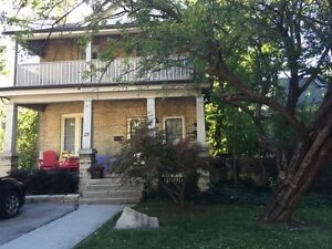 Beautiful 2-bed apartment in Wortley Village $1275 incl - Nov 15