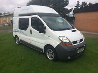 Renault trafic Campervan 2 berth 04 reg diesel sink cooker toilet TV rock and roll bed