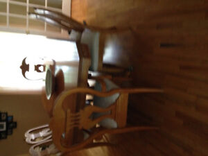 Gorgeous, solid wood dining room table, six padded chairs, buffe