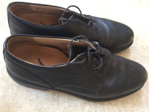 Clarks Black Leather Round Toe Oxford Shoes #36791 size 10.5