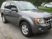 2009 Ford Escape XLT SUV, very low km, REDUCED