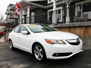 2013 Acura ILX / 2.0L I4 / FWD / Automatic **Immaculate!**