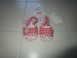Girls red/white sandals from Joe Fresh in size 3 *NEW with tags