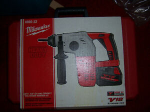 NEW MILWAUKEE 18/28volt 3 MODE SDS HAMMER DRILL KIT Kingston Kingston Area image 5