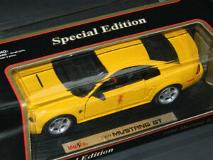 Maisto 1/18 1999 Ford Mustang GT Diecast Car Yellow