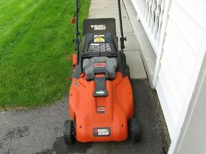 Black and Decker Electric/Cordless Lawn Mower