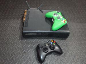 Xbox 360, wifi et 2 manettes
