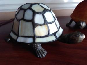 Tiffany glass and brass turtle accent lamp lampe light