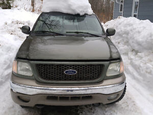 2002 Ford F-150 SuperCrew 4x4.  1000$ firm Quebec plated