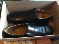 Size 7 mens clarks shoes