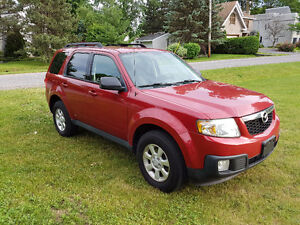 2010 Mazda Tribute (Avec option 4x4!!!!)